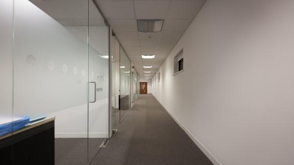 newbury_-_rg14_2nu_-first_floor_corridor