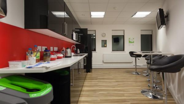 newbury_-_rg14_2nu_-kitchen_01,_first_floor_01