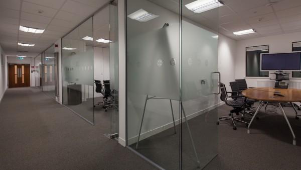 newbury_-_rg14_2nu_-meeting_room,_first_floor_03