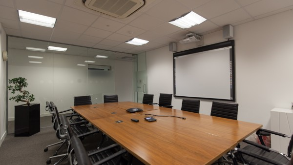newbury_-_rg14_2nu_-meeting_room,_first_floor_05