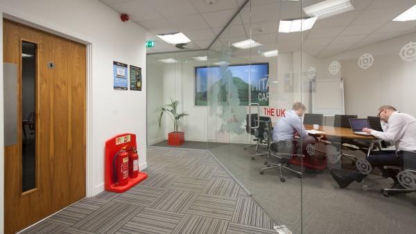 newbury_-_rg14_2nu_-meeting_room,_ground_floor_01