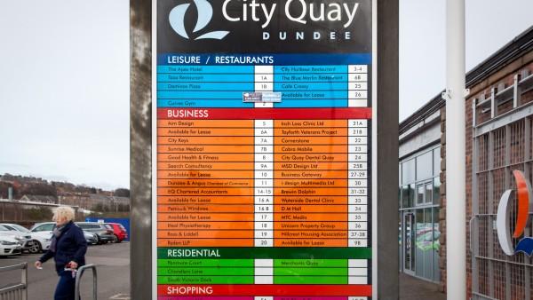 dundee_-_dd1_3ja-_city_quay_sign,_photo12
