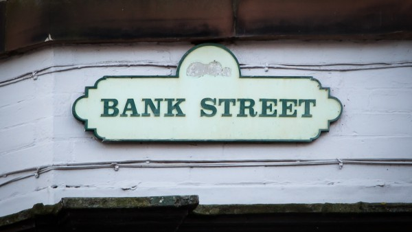 carlisle_-_ca3_8he_-_bank_street_sign_01