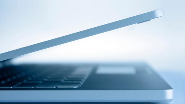 canva_-_gray_laptop_computer